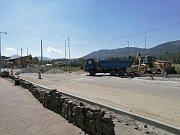 Rekonstrukce křižovatky u kolejí a ulice Poštovní.