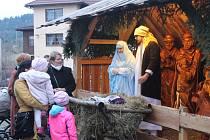 Poslední adventní neděli se v Mostech u Jablunkova konala vánoční akce s bohatým programem. K vidění byl i živý betlém.