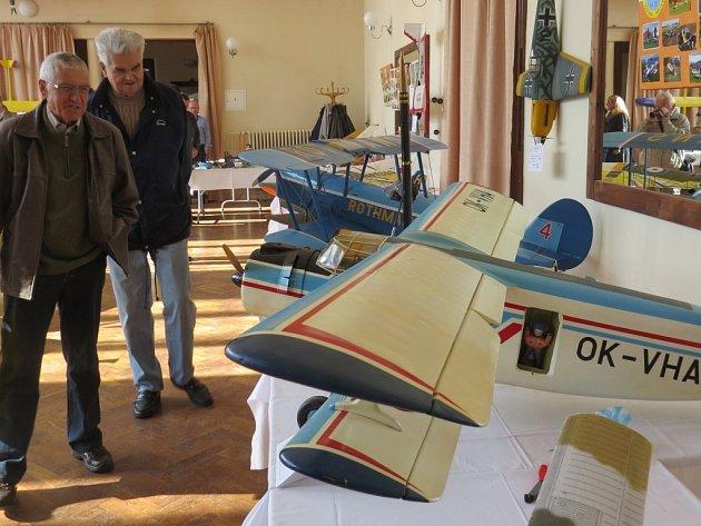 Výstava modelů letadel v Lidovém domě ve Frýdku-Místku.