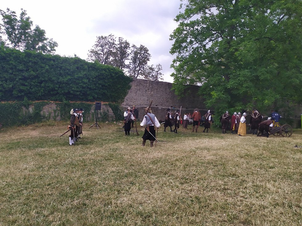 Třetí ročník Obléhání nedobytné pevnosti se uskutečnil o víkendu na hradě Hukvaldy.