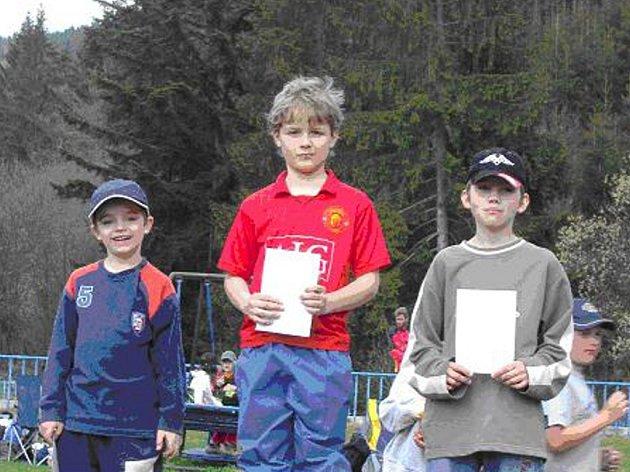 Vítězem kategorie H10N se stal Michal Kaňák z Frýdlantu nad Ostravicí (uprostřed).