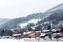 Část Milíkova a v dálí Košařiska. Z těchto obcí to máte do přírody opravdu kousek. Ilustrační foto.
