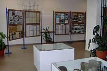 Hodně nových informací o druhé světové válce se lze dozvědět na výstavě, která právě probíhá v budově Základní školy v Palkovicích.