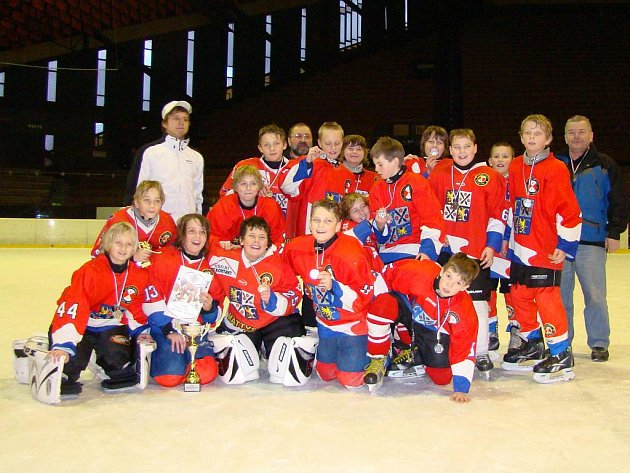 Mladí hokejisté Frýdku-Místku skončili na domácím turnaji na pěkném druhém místě.