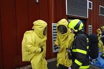 Cvičení hasičů v třinecké Werk aréně.