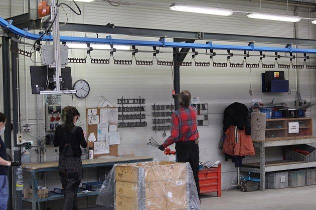 Společnost Ergon zaměstnává na 250lidi se zdravotním handicapem. Výrobní haly jsou spojené se společností Steeltec (na snímcích také).