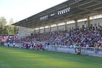 Poslední derby ve frýdeckých Stovkách shlédlo více než sedm tisíc diváků. Taková návštěva se ale nyní neočekává.