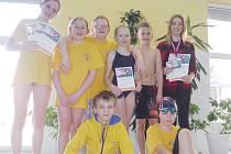Mladí plavci z PO Frýdek-Místek po závodech Grand Prix města Bruntálu.