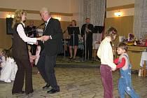 13. ročník rodinného plesu uspořádaly rodiny Krpcova a Slípkova v Palkovicích Pod Habešem.