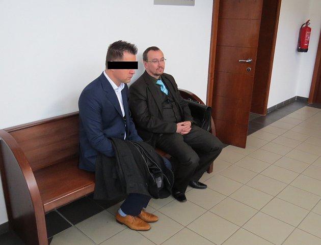 Slovenský řidič, který před dvěma lety zabil při autonehodě babičku s vnučkou, odešel od soudu s podmínkou.