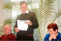 Frýdlantští zastupitelé za KSČM (zleva Svatopluk Masopust, Jaromír Drabina a Dagmar Kozáková) rušením čestných občanství města příliš nadšeni nebyli.