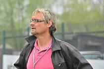Třinecký trenér Miroslav Kouřil (v tmavém) vedl své svěřence naposledy. V Třinci má údajně skončit.