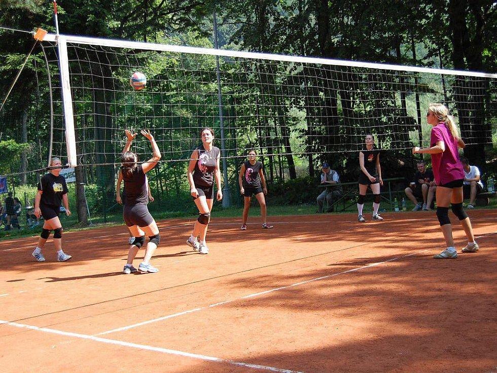 Volejbalový turnaj v Raškovicích.