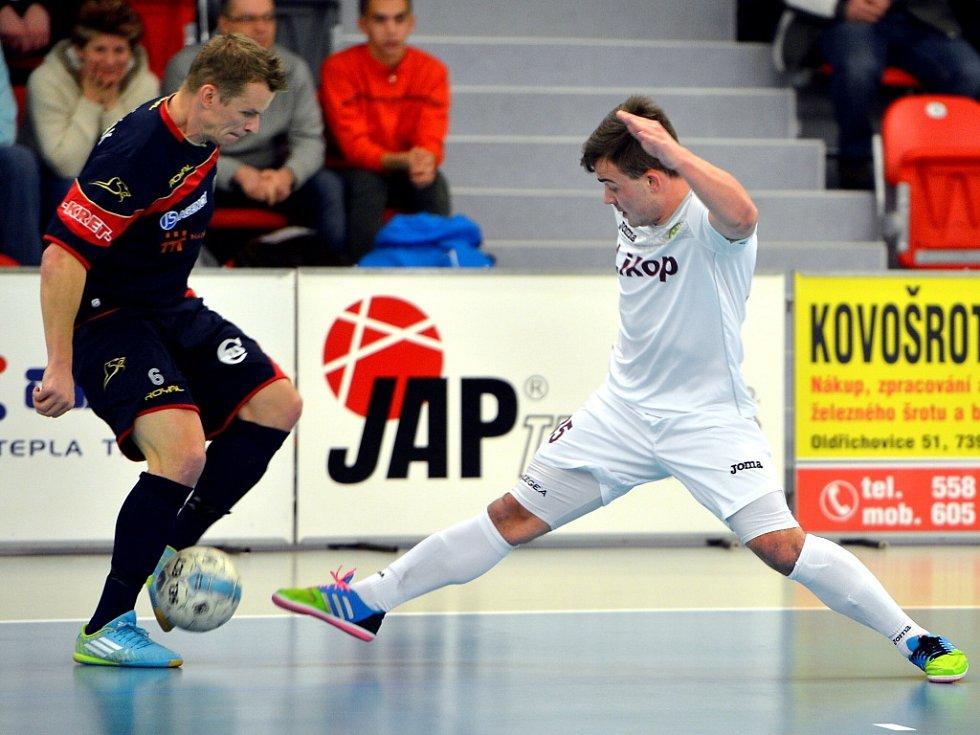 Důležitý zápas futsalisté Třince zvládli a na domácí palubovce porazili poslední Mělník 4:2.
