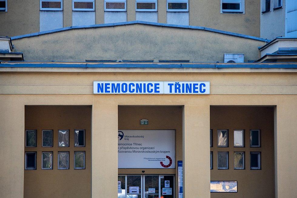 Odběrové místo na COVID 19 v Třinecké nemocnici, 24. března 2020.