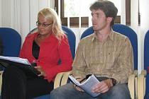 Kamil Turek a Veronika Szusciková patří mezi odpůrce stavby bytového domu na třineckém sídlišti. Celkem petici podepsalo asi tisíc lidí.