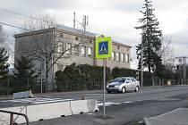 Přechod u školy v Neborech.