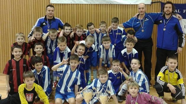 Mladí Valcíři dominovali na domácím halovém turnaji.