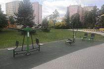 Fitpark v Sadech Svobody láká seniory ke cvičení.