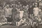 Žáci ZŠ v roce 1941.