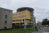 Pavilon chirurgických oborů nemocnice ve Frýdku-Místku.