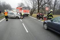 Zásah hasičů a zdravotníků u vážné nehody v Třinci.