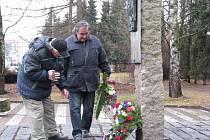 U památníku 8. pěšího pluku se každoročně koná pietní akce.