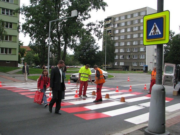 Nejnovější přechod pro chodce 3. generace na Ostravské ulici.