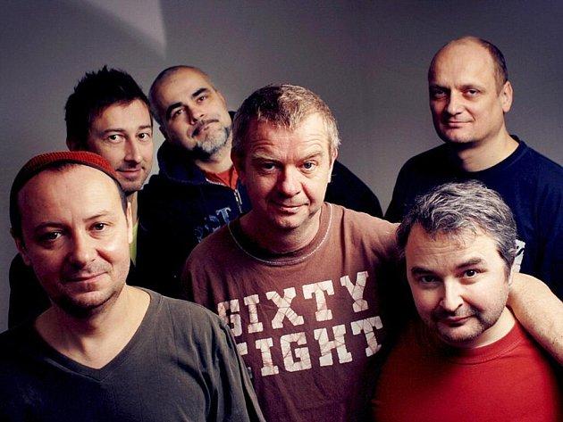 Skupina Mňága a Žďorp vystoupí opět ve frýdeckém Stounu.
