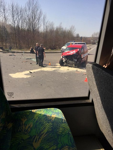 Při nehodě se zranilo sedm lidí. Foto: facebook