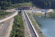 Hlavní stavební práce na přehradě Šance už jsou dokončeny.
