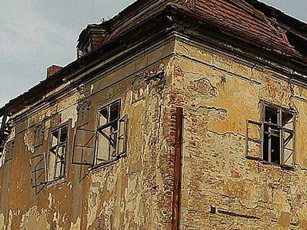 Zámek v Ropici. Ilustrační foto.