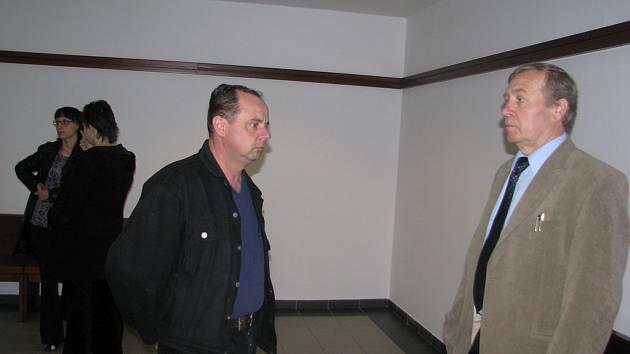 Radomír Malyš (vlevo) se svým advokátem.