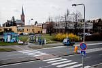 Technické služby ve Frýdku-Místku dezinfikují zastávky a lavičky, 31. března 2020 ve Frýdku-Místku.