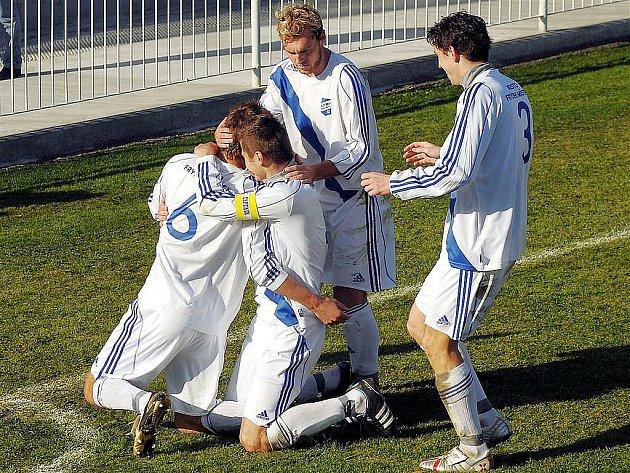Fotbalisté třetiligového Frýdku-Místku zdolali na závěr podzimu béčko Slovácka 2:1.