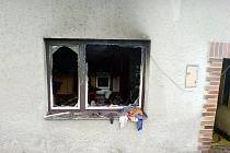 Na snímku je domek v Třanovicích, který hnojničtí hasiči prohledávali.