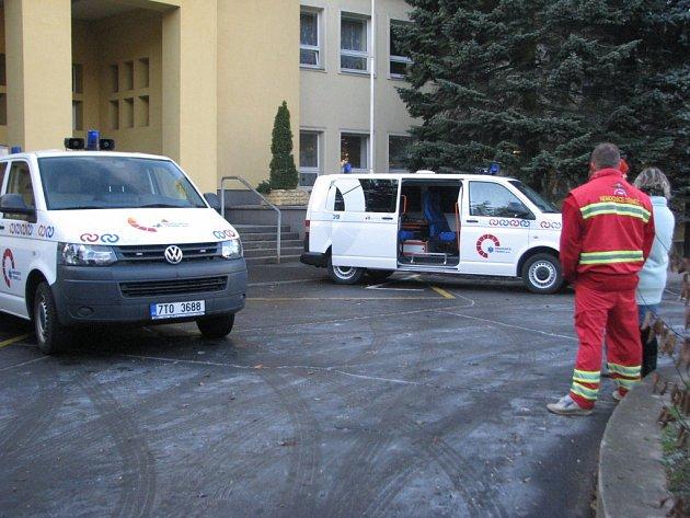 Předávání nových sanitek v Třinci.