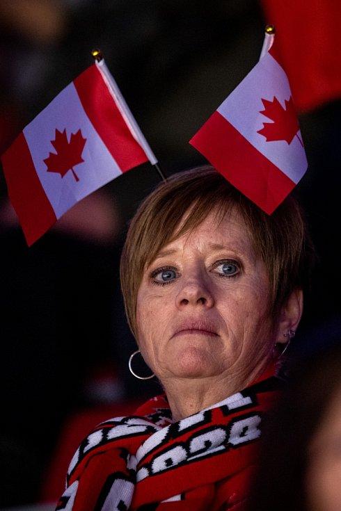 Kanadští fanoušci si patrně spletli halu.