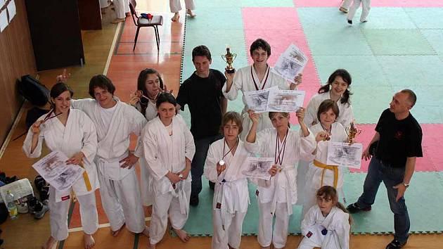 Oddíl karate ve Frýdku-Místku.