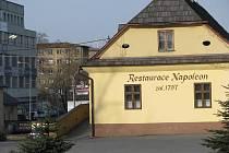 U restaurace Napoleon v Oldřichovicích začne trasa chodníku, který povede směrem na Nebory.