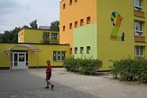 Vedle dvojky v průběhu letošních letních prázdnin vyroste zbrusu nové moderní školní sportoviště za téměř 8,5 milionu korun.