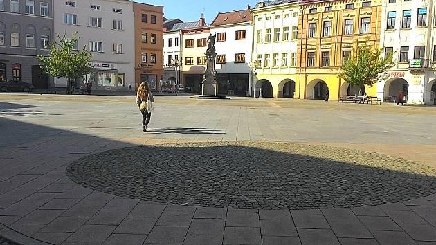 Na náměstí Svobody by měla stát replika kašny.