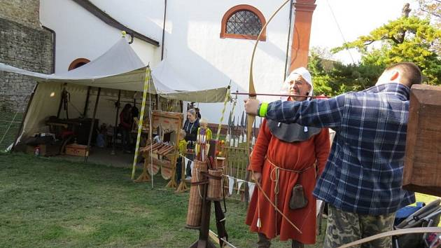 Tradiční Svatováclavské slavnosti 28. září na hradě Hukvaldy.