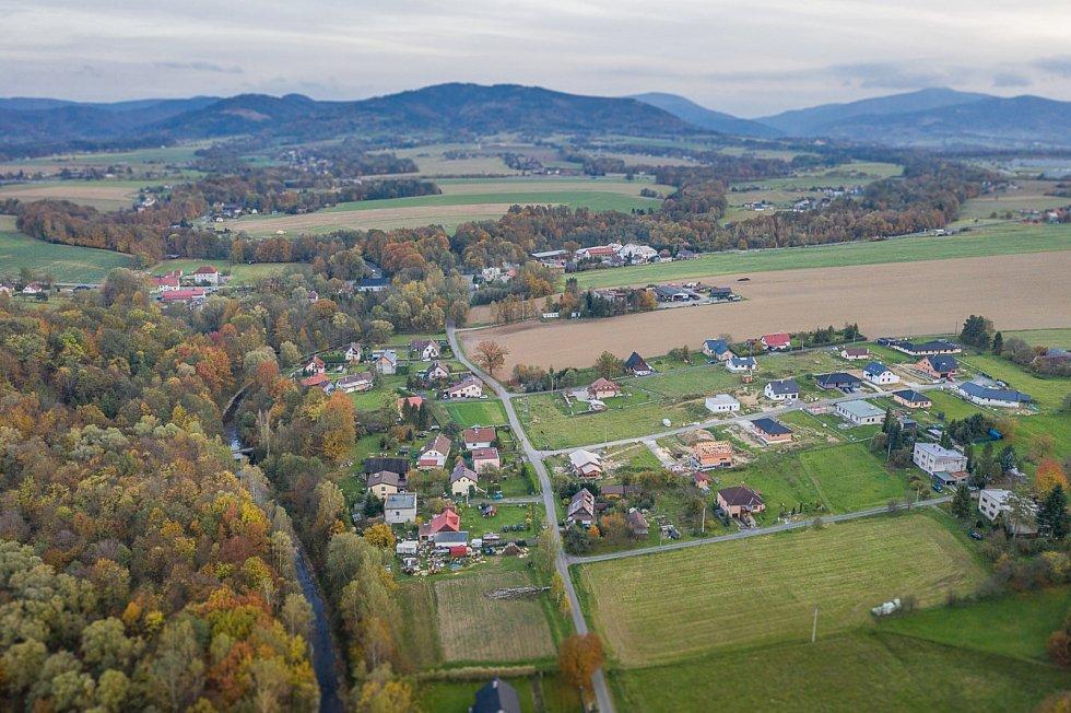 Obec Vojkovice.