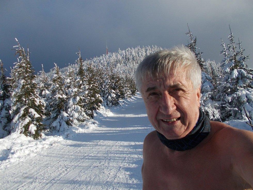 Ján Čupa chodí po horách svlečený do půl těla. A to i vtěch největších mrazech