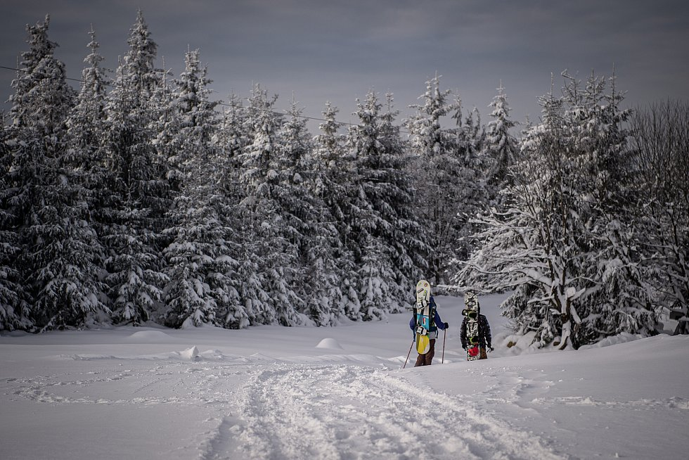 Turistická chata Severka a panorama Beskyd, 15. ledna 2021 v Dolní Lomné.