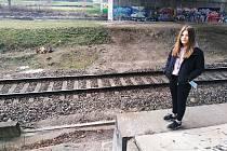 Třináctiletá Roxana Černotová, žákyně osmé třídy ze ZŠ Petra Bezruče pohotově přivolala záchranku.