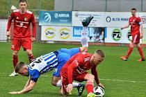 Třinec (v červeném) doma v derby s Vítkovicemi remizoval.