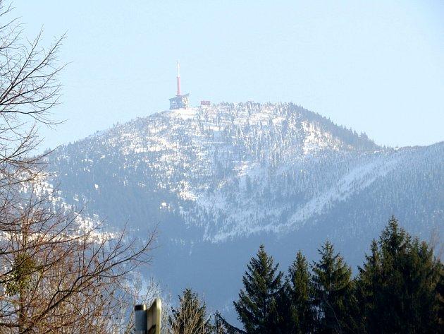 Lysá hora z pohledu od Malenovic.