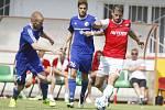 Třinec (v modrém) ani v druhém podzimním utkání ve Fotbalové národní lize neprohrál.